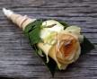 Lososová růže v listu Salalu a saténové stuze